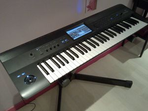Korg Krome 61-Key Music Workstation & Performance Keyboard for Sale in Miami Beach, FL