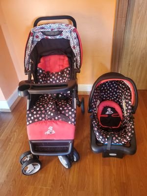 Car seat and stroller for Sale in Racine, WI