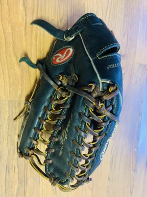 "Rawlings trapeze 14"" softball glove for Sale in Peoria, AZ"
