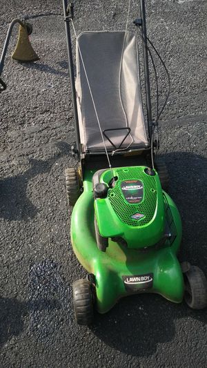 Lawn mower for Sale in Halethorpe, MD
