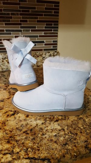 New Girl's UGG Mini Bailey Bow Boots for Sale in Dallas, TX
