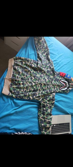 Bape hoodie trade for Nintendo switch for Sale in Compton, CA