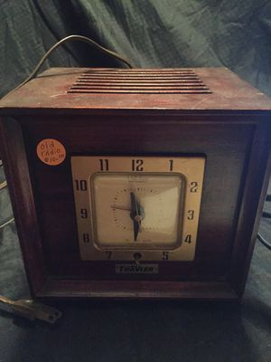Antique clock radio for Sale in Parma, OH