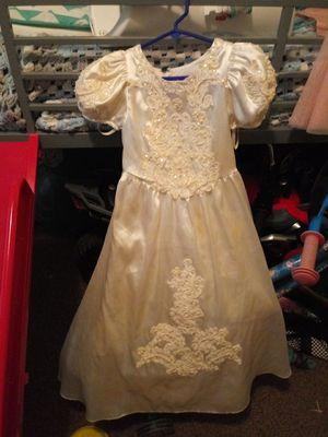 Flower girl dress size 5 for Sale in Raleigh, NC