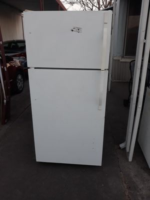 Stove and fridge for Sale in Stockton, CA