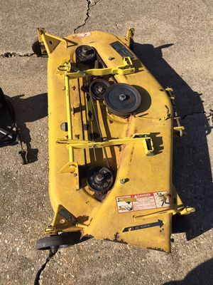 "48"" John Deere 300 series mower deck works fine 300$ for Sale in DeWitt, IA"