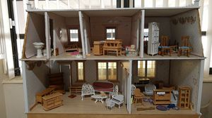 Antique doll house for Sale in Hialeah, FL