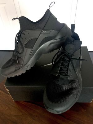 All Black Huarache Size 11 for Sale in Los Angeles, CA