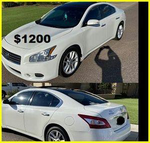 $1200 Nissan MAxima for Sale in Grand Rapids, MI
