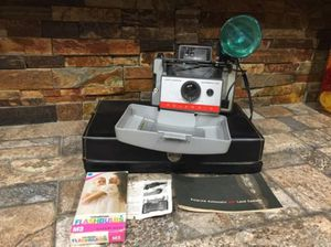 Antique Camera, has flash, bulbs and hard case. Excellent condition. for Sale in Hialeah, FL