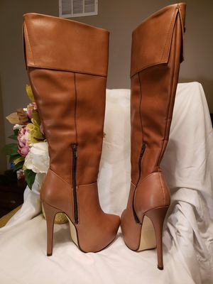 Botas ANDREA for Sale in Haysville, KS