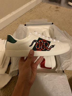 Gucci Snake Sneaker for Sale in Olympia, WA