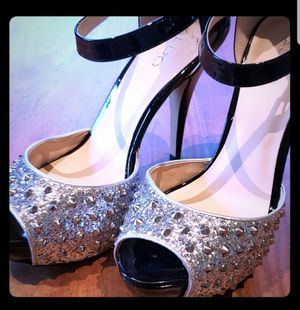 Aldo Parkforest Silver Studded Heels Sz8.5 for Sale in Leavenworth, WA