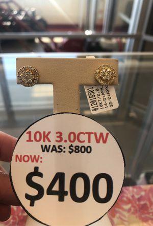 10k Diamond earrings for Sale in Pasadena, TX
