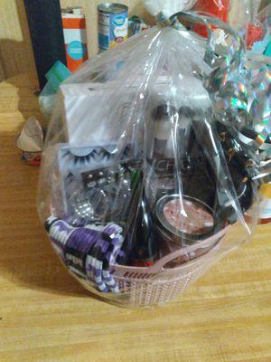 Holiday Womens basket for Sale in EASTAMPTN Township, NJ