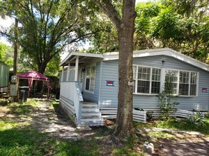 4 bedrooms mobile home with two bathroom (cash only) lot rent for Sale in Lutz, FL