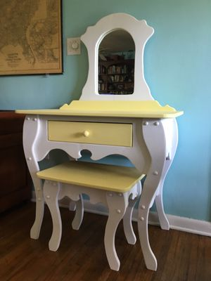 Vintage Painted Pine Vanity With Matching Stool for Sale in Largo, FL