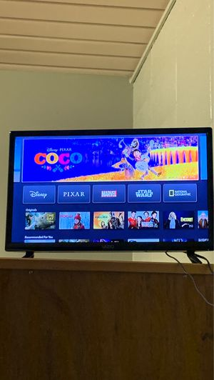 32 inch tv great condition with remote for Sale in Dillon, MT