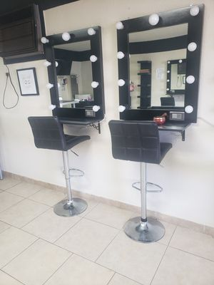 Makeup studio vanity for Sale in Moreno Valley, CA