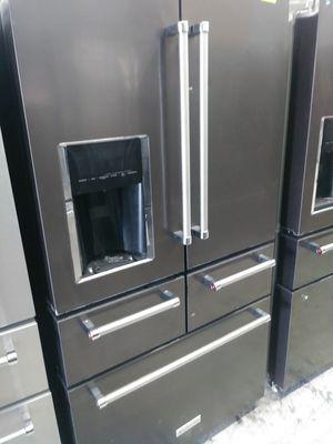 Kitchen Aid five door in dark stainless for Sale in Irvine, CA