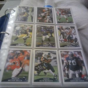 2009 Topps 440 Cards Set With 5 Bonus Rookie Cards Set With Mattew Stafford Rookies, Near Mint To Mint Condition for Sale in Santa Clara, CA