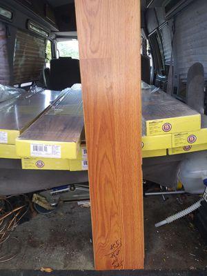 Oak laminate flooring 335sqft for Sale in Fort Worth, TX