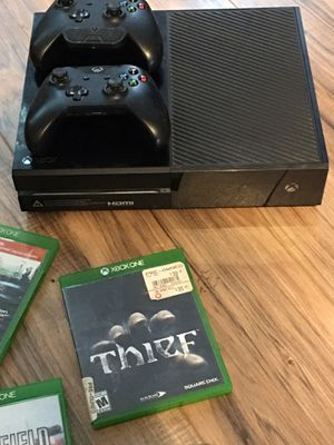 Xbox one 500 gb plus 10 games obo for Sale in Spring Hill, FL