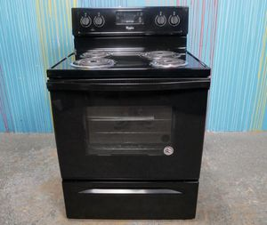 Black Whirlpool Stove Electric for Sale in Houston, TX