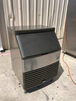 Great Choice‼️ Manitowoc QY-0134A 150lbs Air Cooled Under-counter Half Dice Ice Maker, Works Great❗ for Sale in Dallas, TX
