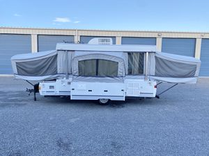 2003 Coleman Niagara Elite Popup Camper Toilet Shower & Slide Out Sleep's Six for Sale in Houston, TX
