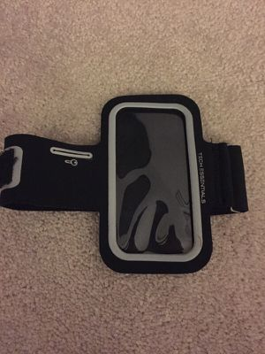 iPhone workout arm band for Sale in Charlotte, NC