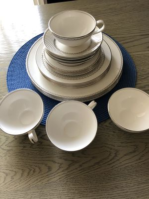 Wedgwood French knot silver fine china 20 piece dinnerware set, service for 4 for Sale in Los Angeles, CA