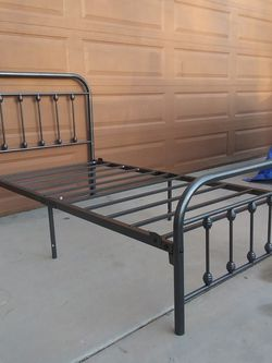 TWIN SIZE METAL BED FRAME( NO BOX SPRING NEEDED) for Sale in Goodyear,  AZ