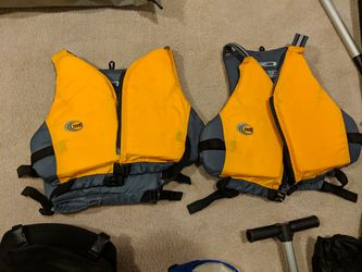 MTI Life Jackets - Almost New for Sale in Washington,  DC