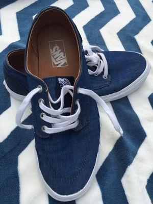Vans Navy blue U.S. Man size 10.5 / Women 12.0 Great condition. for Sale in Richland, WA