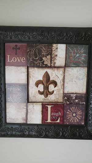 2 (love,laugh,live)pictures and 1 family art work for Sale in McDonough, GA