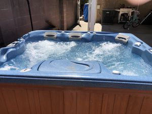 Sundance Spa/Jacuzzi Hot Tub for Sale in Bellflower, CA