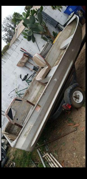 12ft fishing boat for Sale in Santa Ana, CA