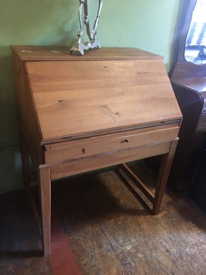 "Solid wood student hutch top desk $75 measures 32 x 22 x 40"" for Sale in San Diego, CA"