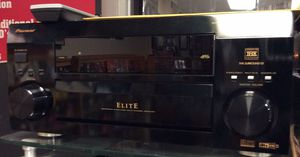 Pioneer Elite vsx-43tx Surround Sound Stereo receiver w/remote in excellent condition !! for Sale in St. Louis, MO