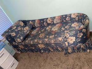 Antique Couch for Sale in Baytown, TX