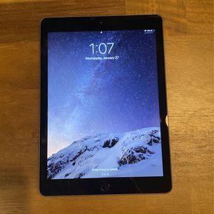 Like New Apple Ipad 32gb (6th Gen) for Sale in Anaheim, CA