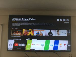 LG Smart TV and wall mount for Sale in Los Angeles, CA