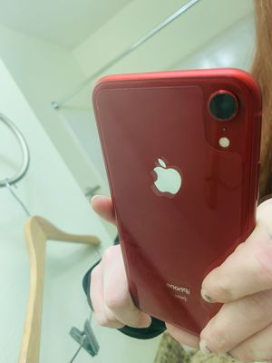 iPhone xr 64 gb for Sale in Duluth, GA
