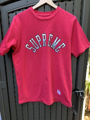 Pink Supreme Logo Tee - Size Medium for Sale in Pacifica, CA