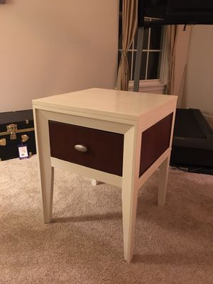 Mid Century Modern Side Table for Sale in Gainesville, VA