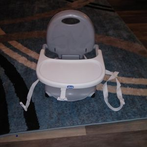 Chicco Pocket Snack Booster Seat for Sale in North Las Vegas, NV