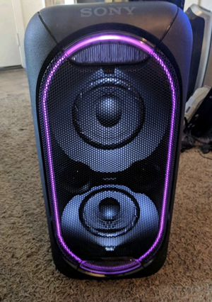 Sony Bluetooth GTK-XB60 BIG Speaker-Used. Great for parties for Sale in Irving, TX