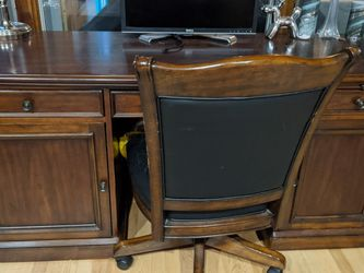 Desk With Chair And Filing Cabinet for Sale in Lake Oswego,  OR