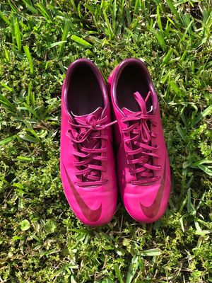 NIKE WOMEN'S MERCURIAL VICTORY SOCCER CLEATS for Sale in Orlando, FL